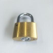 晨潞电子 铜锁 35型 外形尺寸:35*17*26mm 锁定空间:20*20mm 锁梁直径:5mm