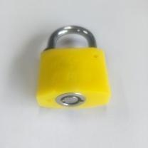 晨潞电子 塑料锁 35型 外形尺寸:35*17*26mm 锁定空间:20*20mm 锁梁直径:5mm