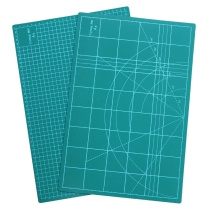 信发 信发(TRNFA)A4切割垫板 双面切割板/手工切割垫 /双面模型防滑雕刻板 快速自愈 绿色 A4切割垫板